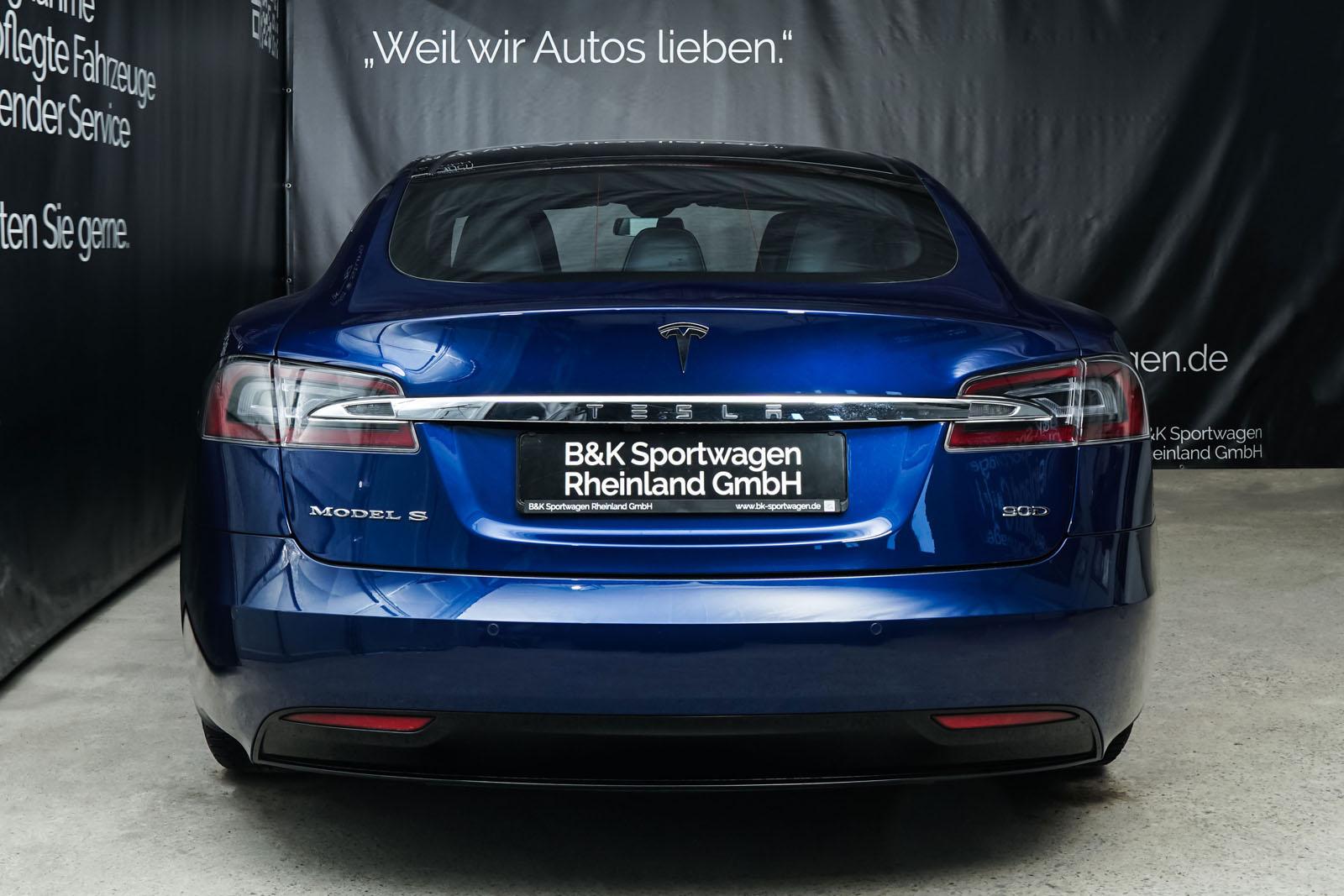 Tesla_ModelS_90D_Blau_Schwarz_Tes-0513_11_w