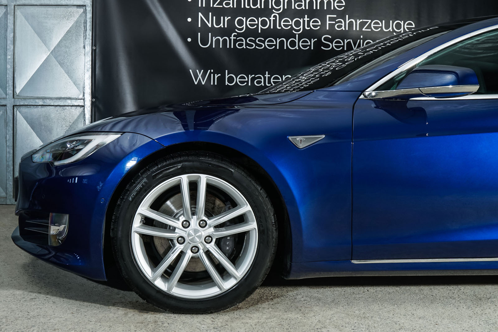 Tesla_ModelS_90D_Blau_Schwarz_Tes-0513_3_w