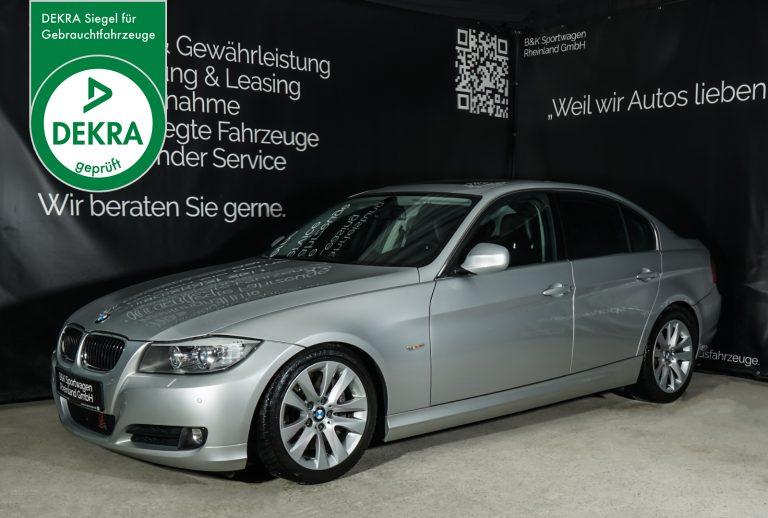 BMW_335i_Silber_Schwarz_BMW-8423_Plakette_w