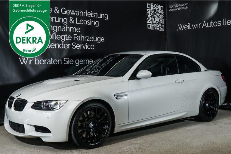 BMW_M3_Cabrio_Weiß_Schwarz_BMW-5973_Plakette_w