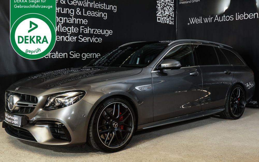 Mercedes-Benz_AMG-E63s_Grau_Schwarz_MB-7234_Plakette_w