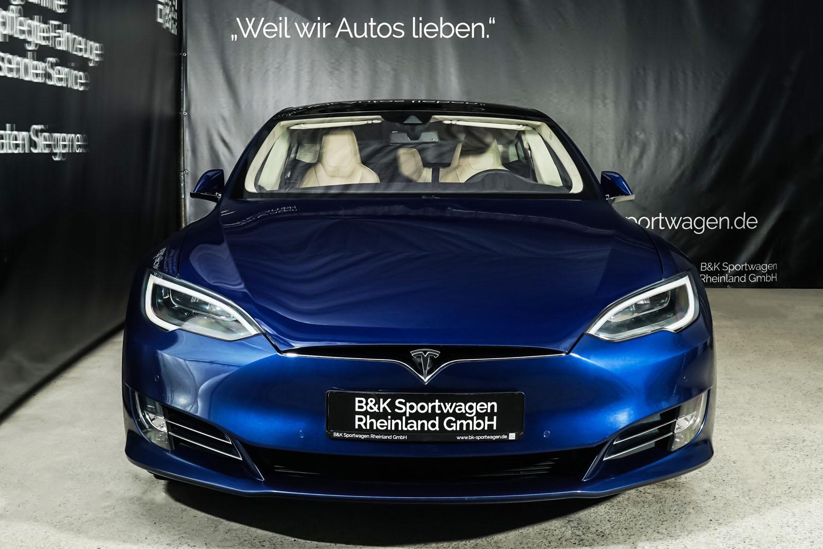 Tesla_ModelS_90D_Blau_Beige_TES-5091_1_w