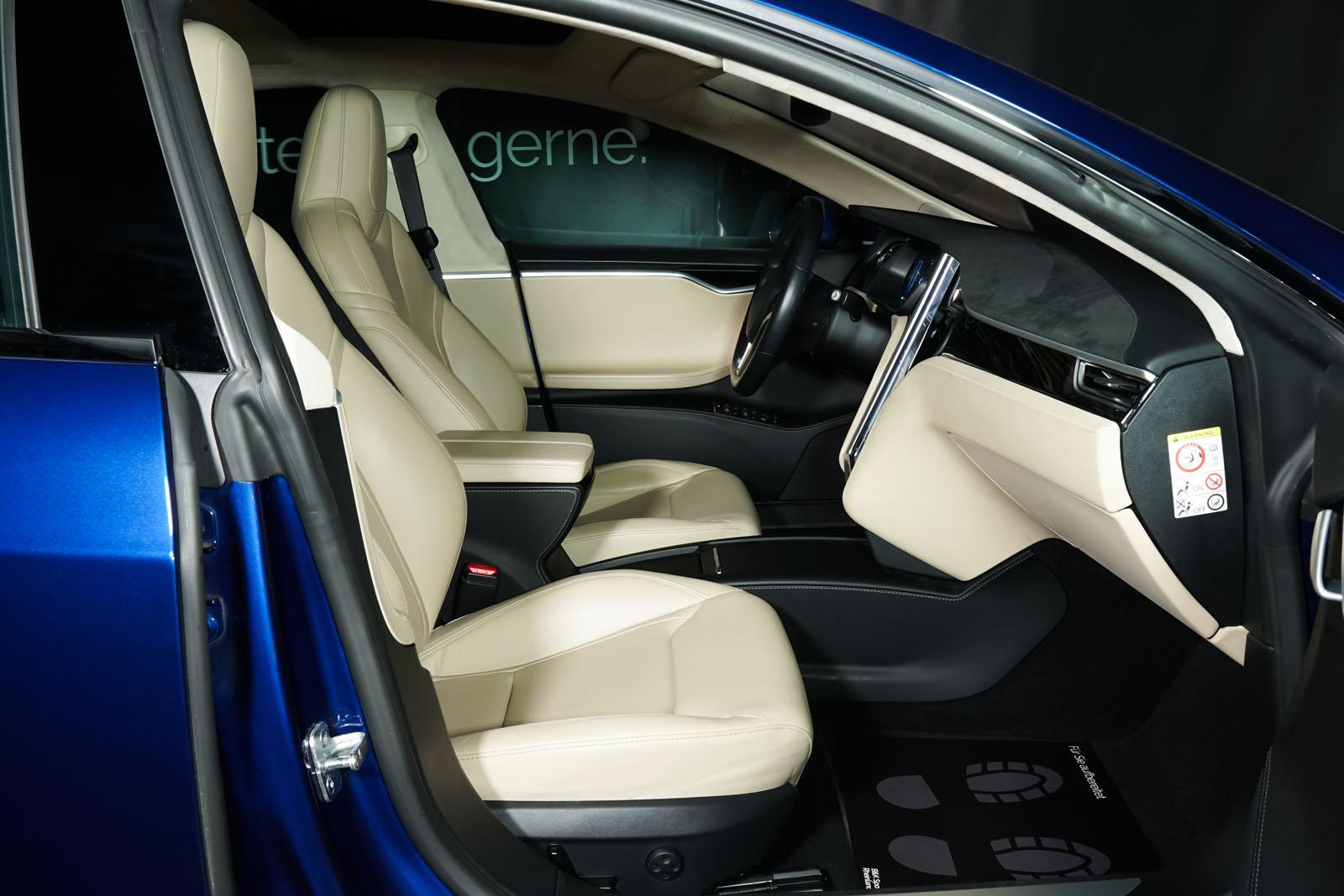 Tesla_ModelS_90D_Blau_Beige_TES-5091_20_w