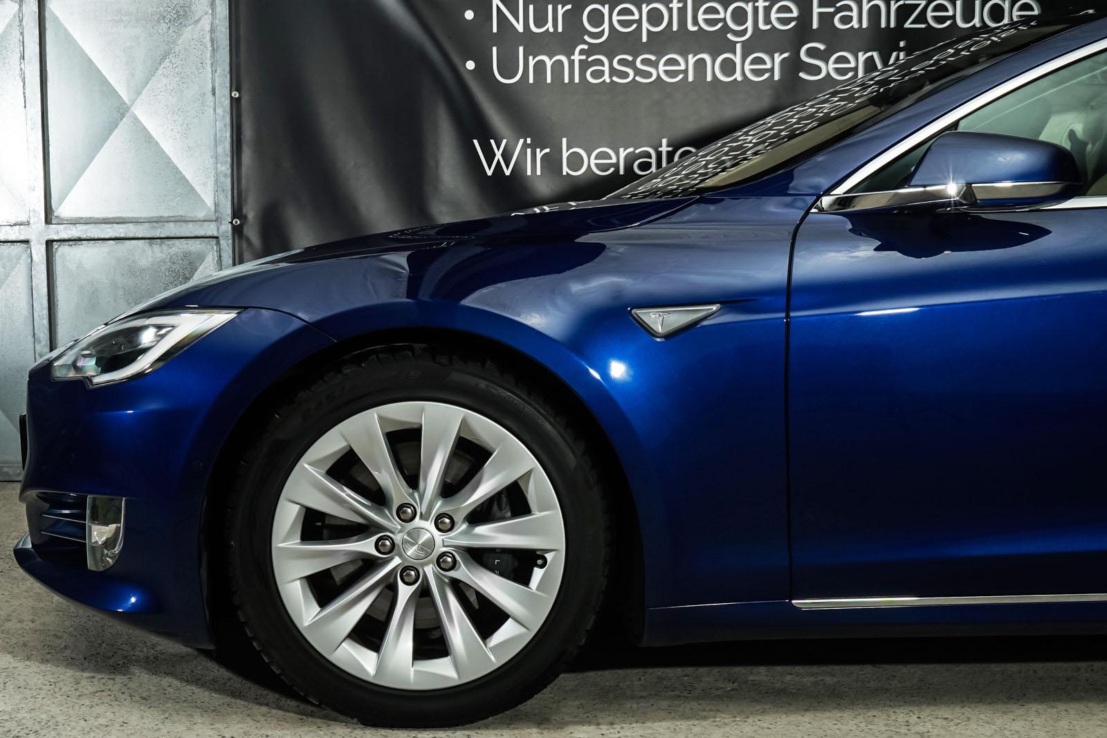 Tesla_ModelS_90D_Blau_Beige_TES-5091_3_w