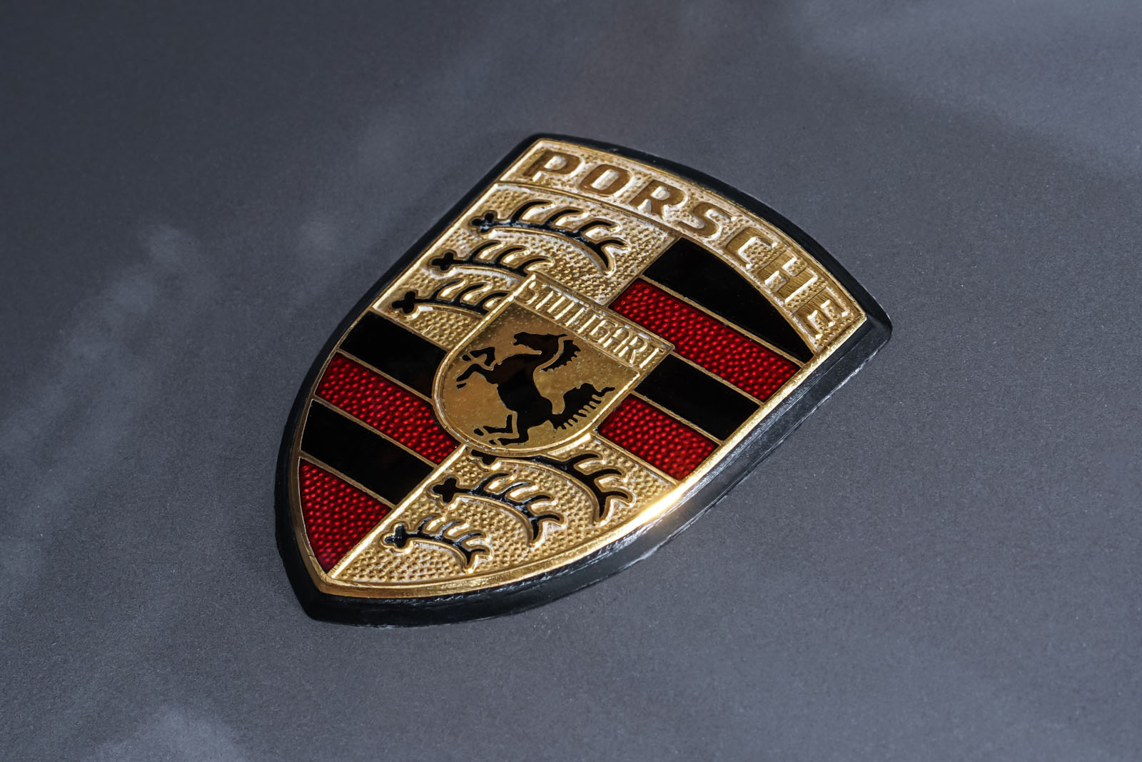 Porsche_928_Grau_Schwarz_POR-0325_11_w