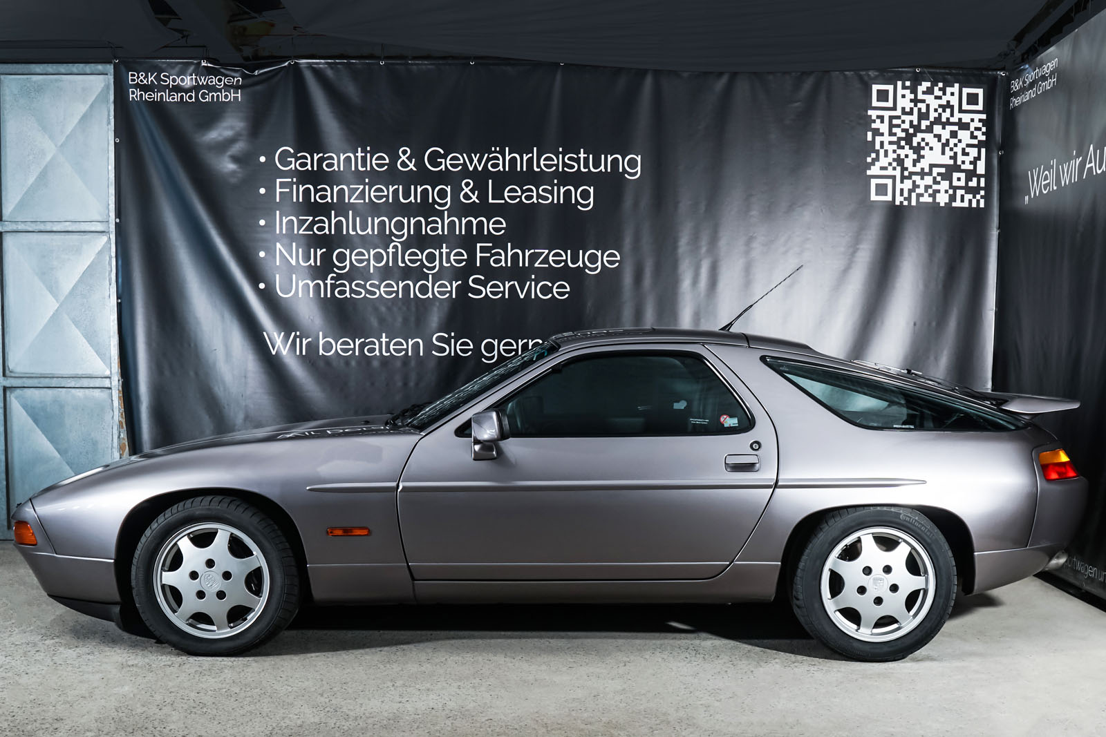 Porsche_928_Grau_Schwarz_POR-0325_5_w