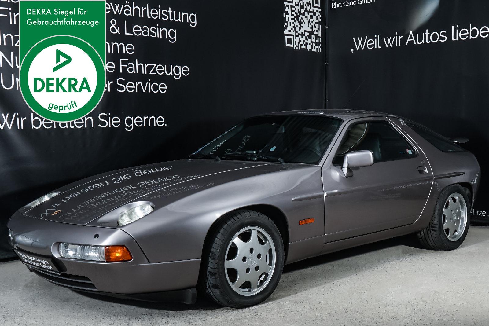 Porsche_928_Grau_Schwarz_POR-0325_Plakette_w