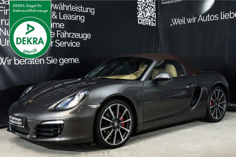 Porsche_BoxsterS_Cabrio_Grau_Beige_POR-4807_Plakette_w