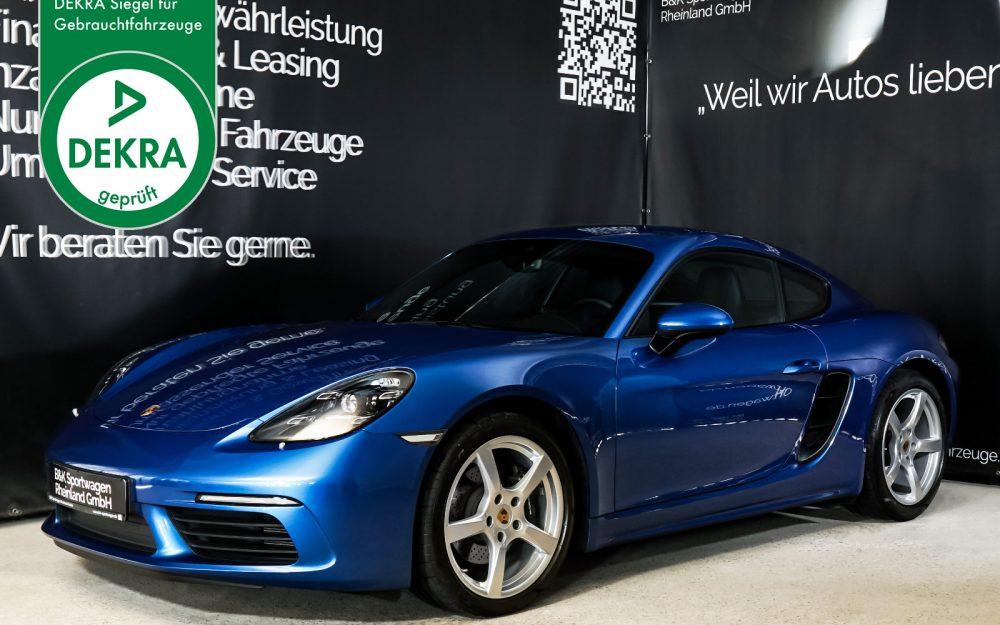 Porsche_Cayman_Blau_Schwarz_POR-0613_Plakette_w.jpg