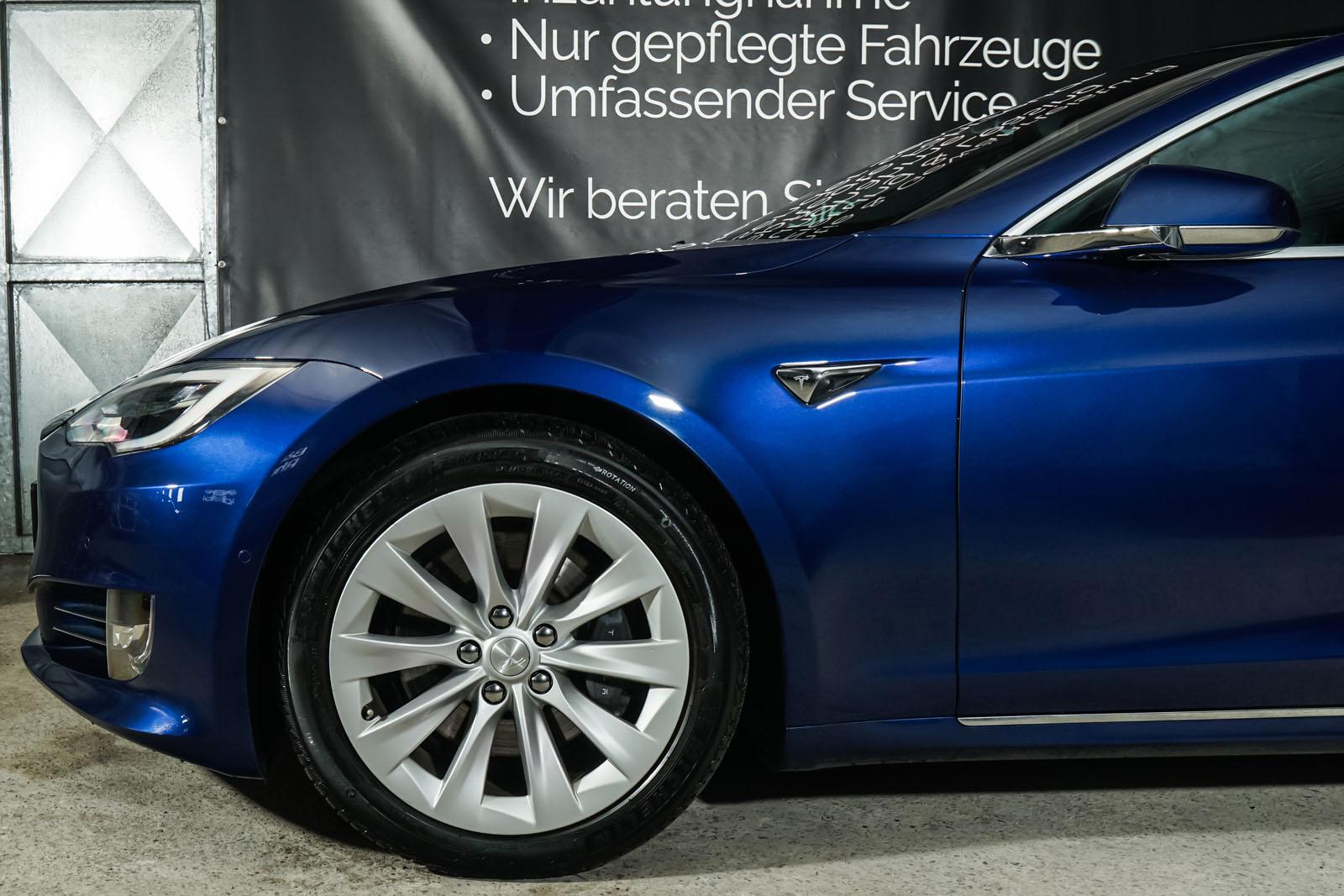 Tesla_ModelS_75RWD_Blau_Schwarz_TES-5563_3_w
