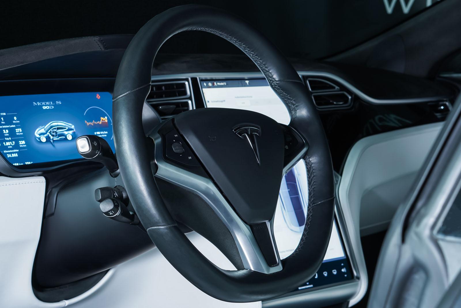 Tesla_Model_S_SilverShadow_Weiss_TES-2943_11_w