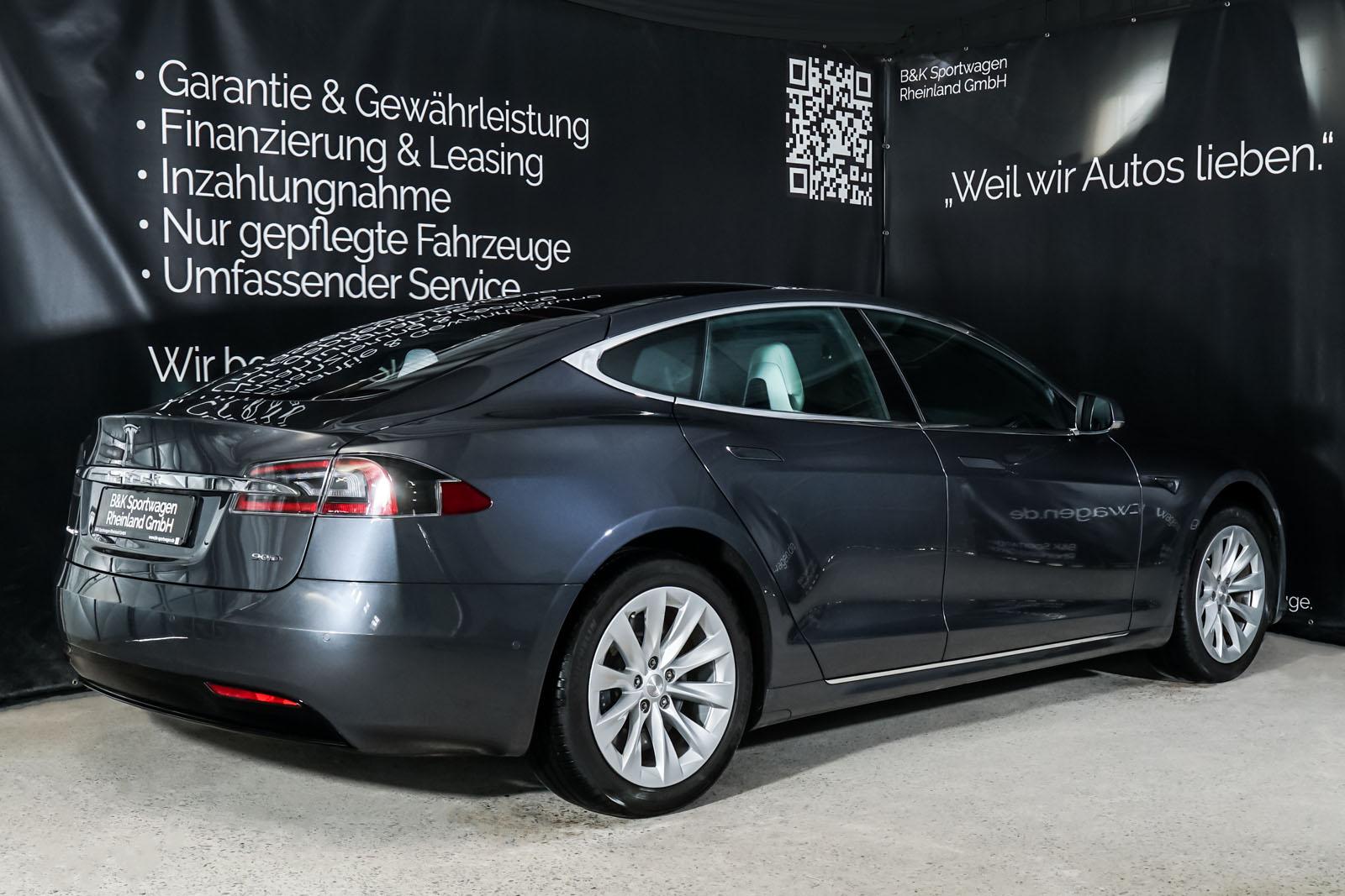 Tesla_Model_S_SilverShadow_Weiss_TES-2943_15_w