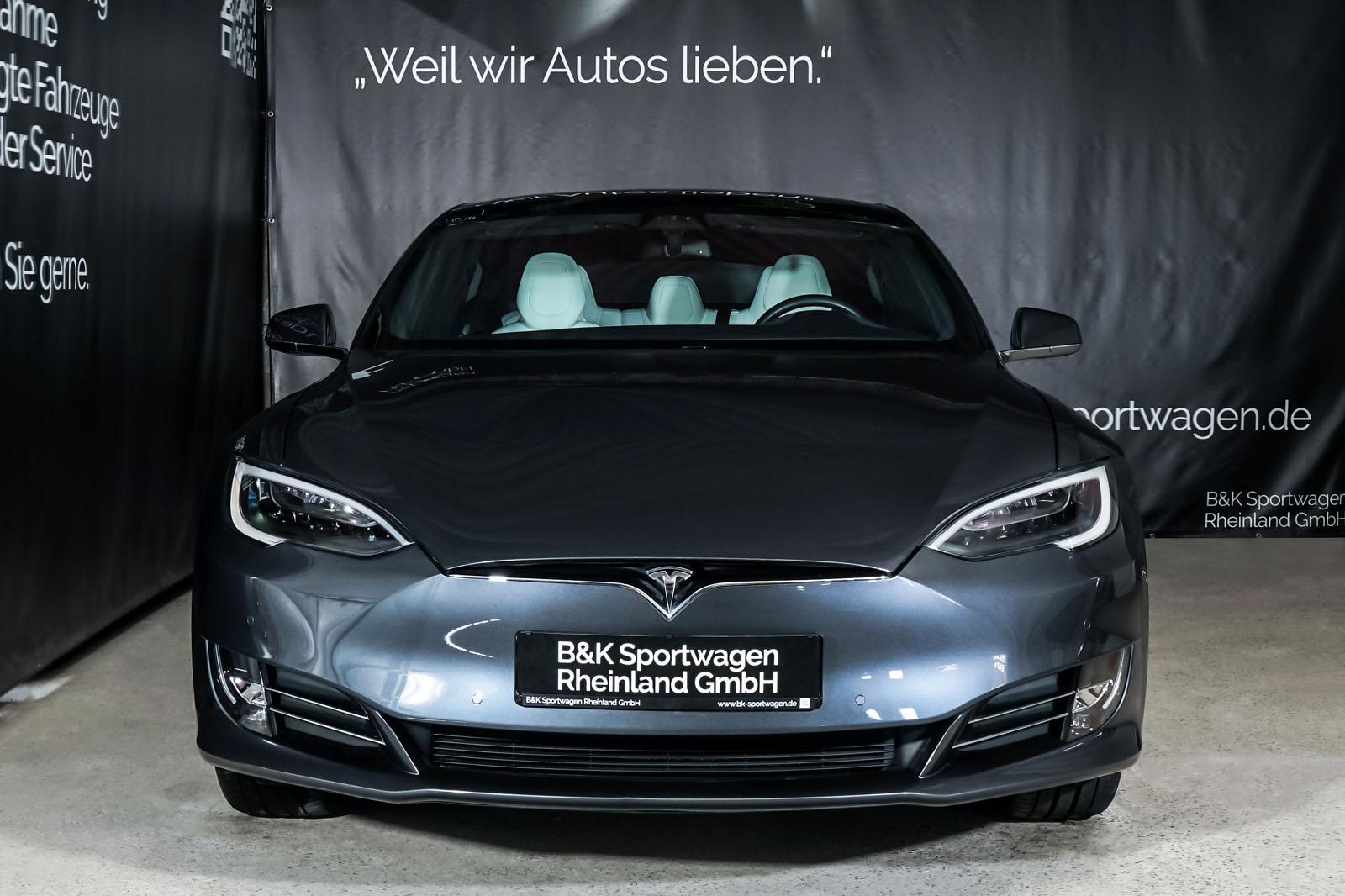 Tesla_Model_S_SilverShadow_Weiss_TES-2943_1_w