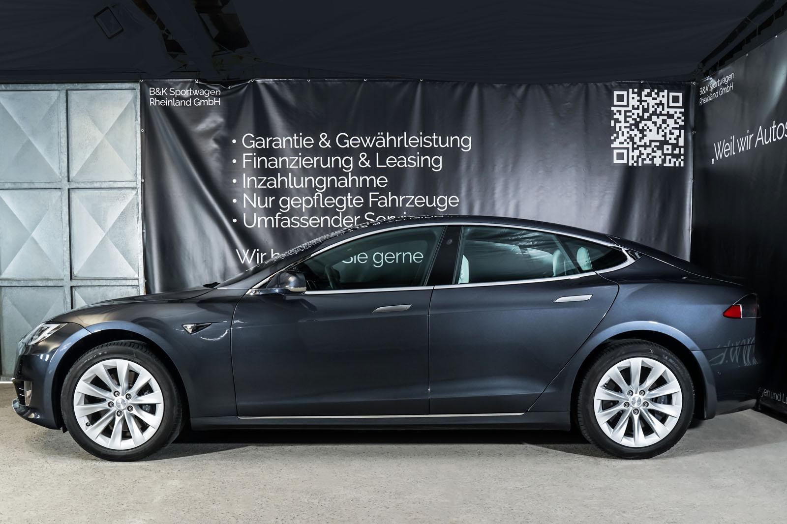 Tesla_Model_S_SilverShadow_Weiss_TES-2943_5_w