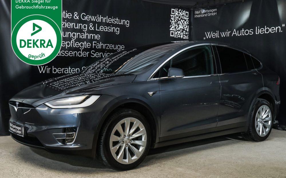 Tesla_Model_X_Anthrazit_Schwarz_TES-4708_Plakette_w.jpg