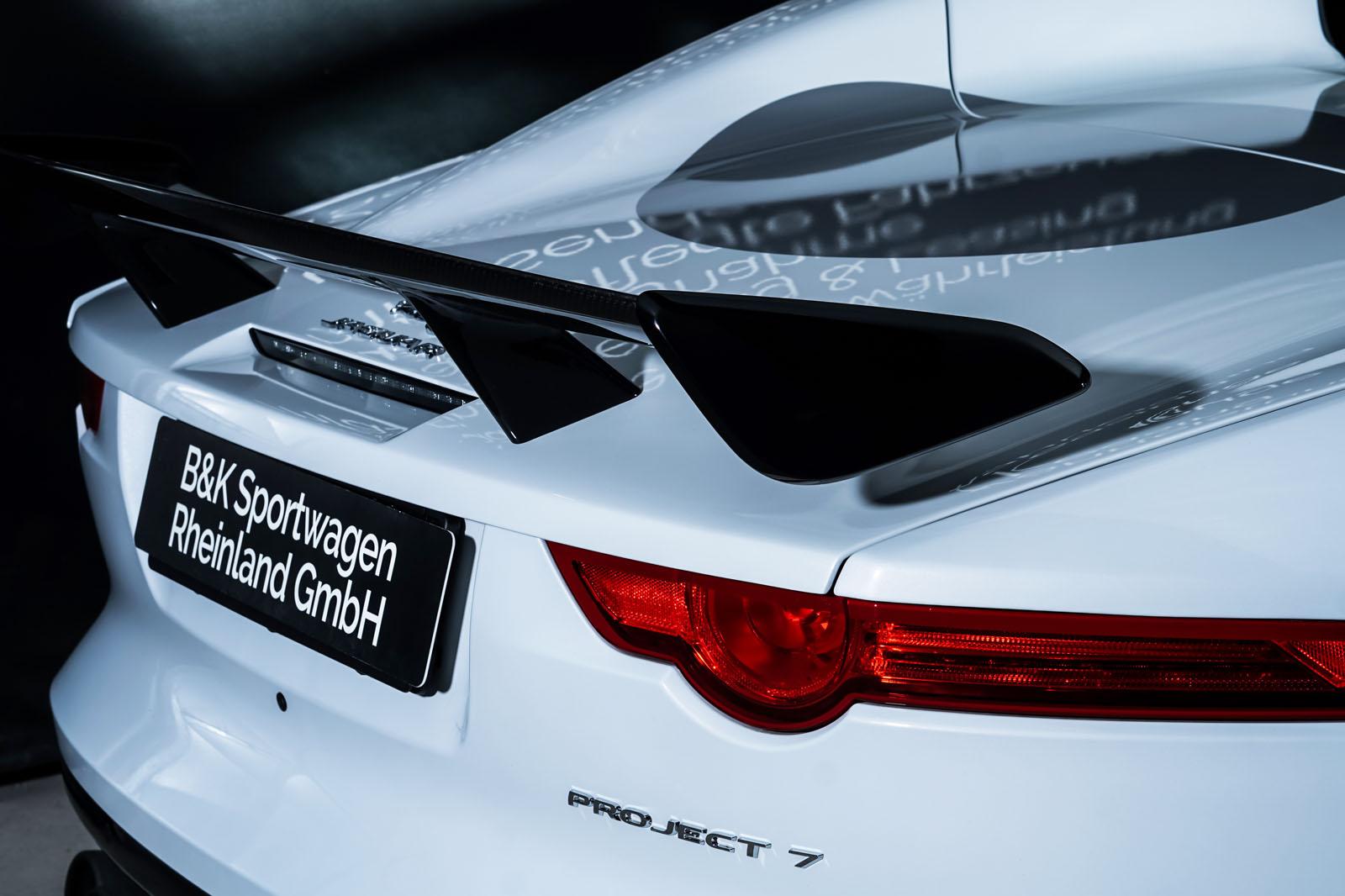 Jaguar_Project7_Weiss_Schwarz_JAG-0829_26_w