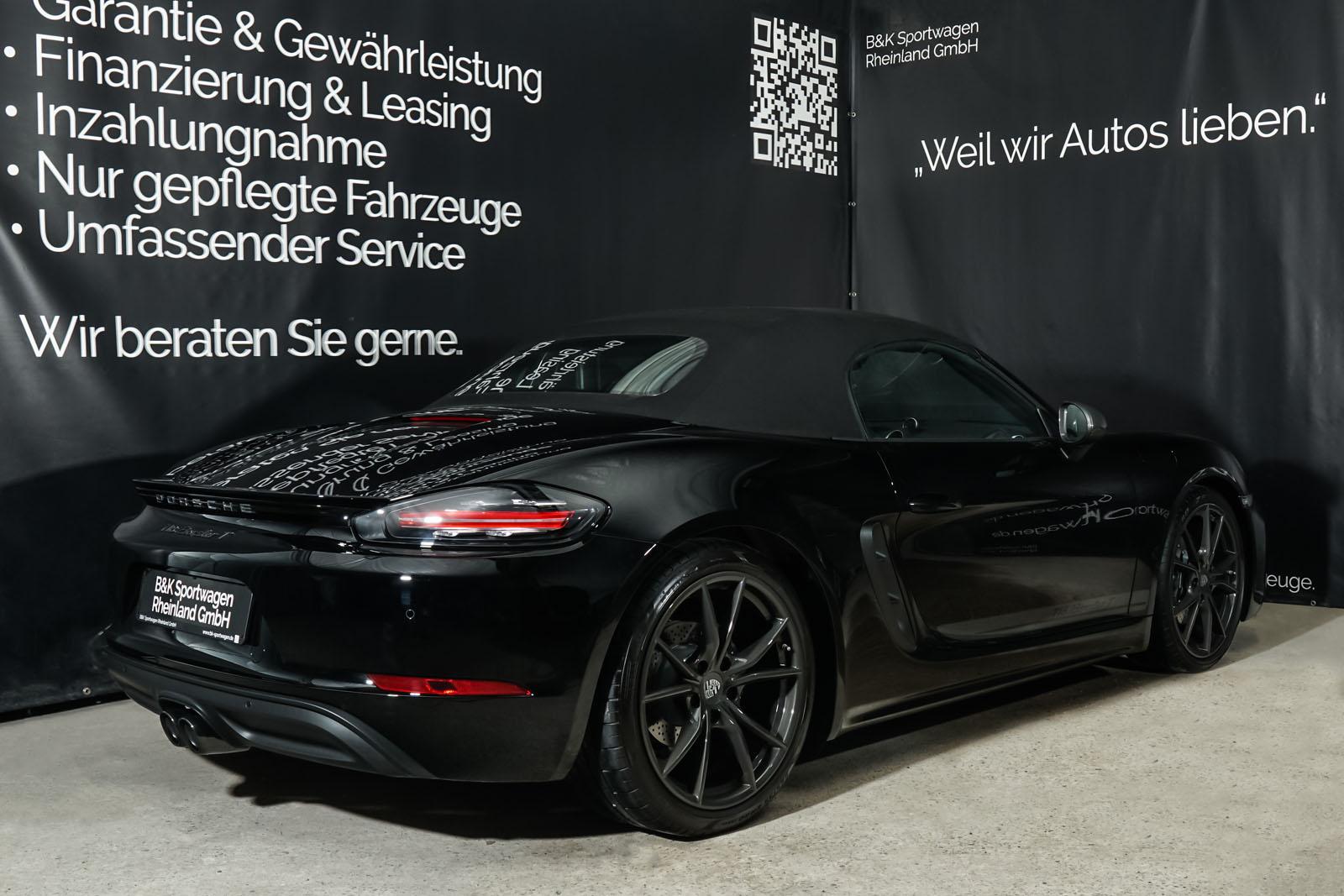 Porsche_718_BoxsterT_Schwarz_Schwarz_POR-1718_26_w