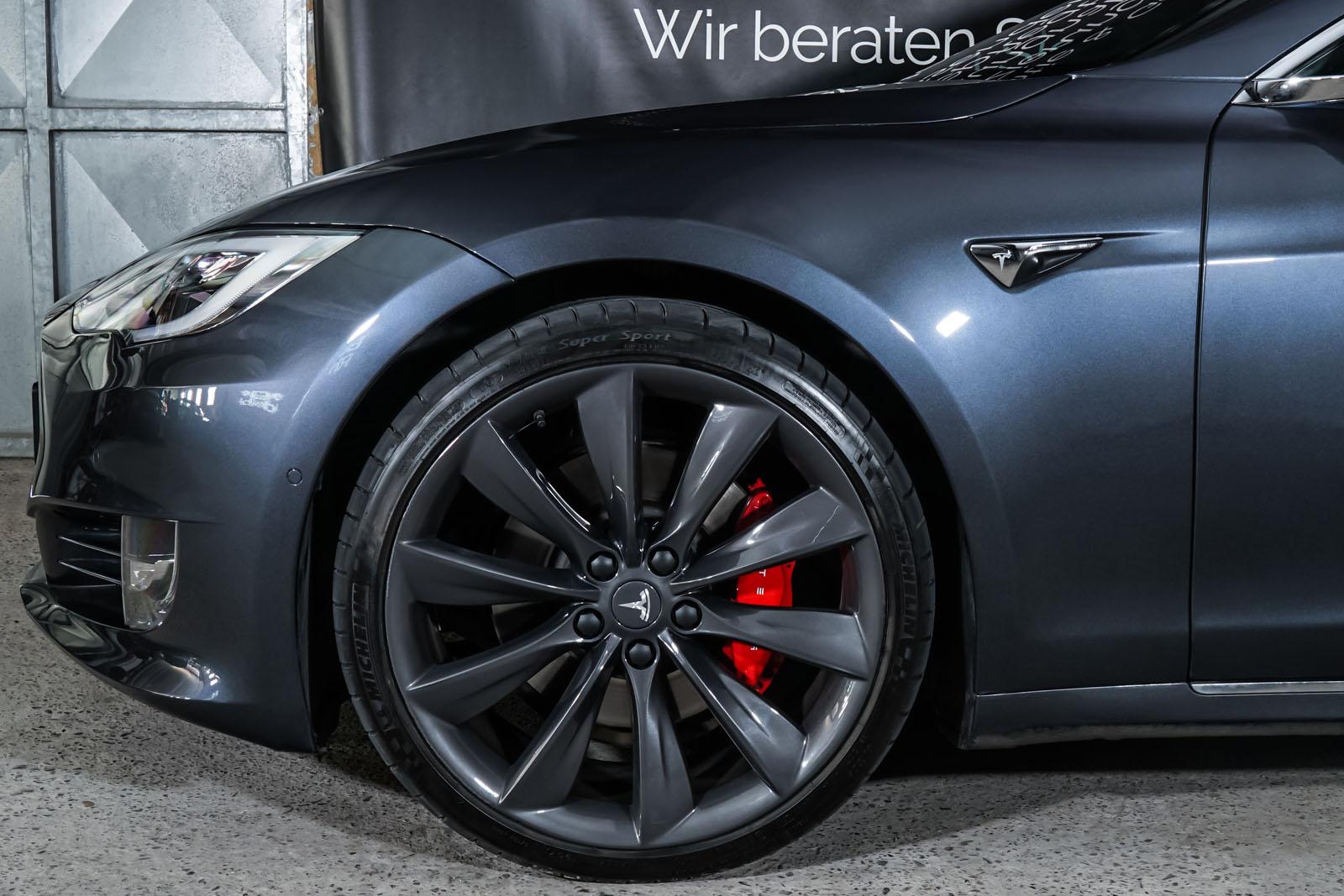 Tesla_ModelS_P100D_MidnightSilver_Schwarz_TES-6539_3_w