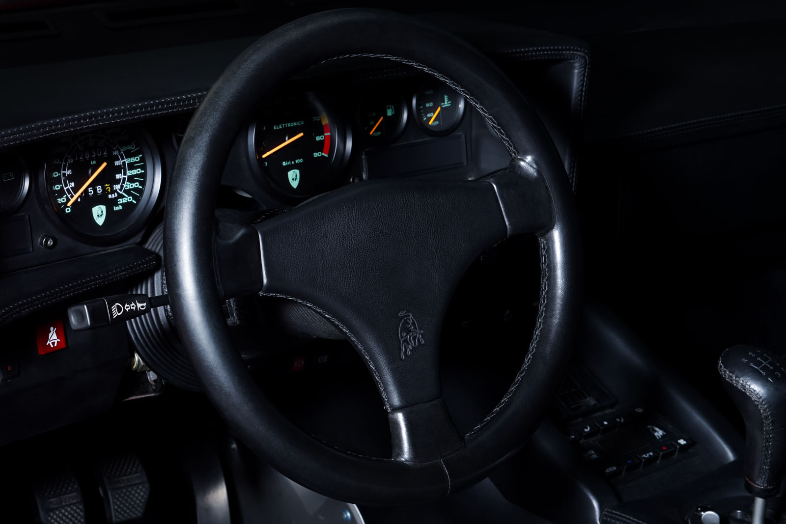 Lamborghini_Countach_Rot_Schwarz_LAM-2811_11_w