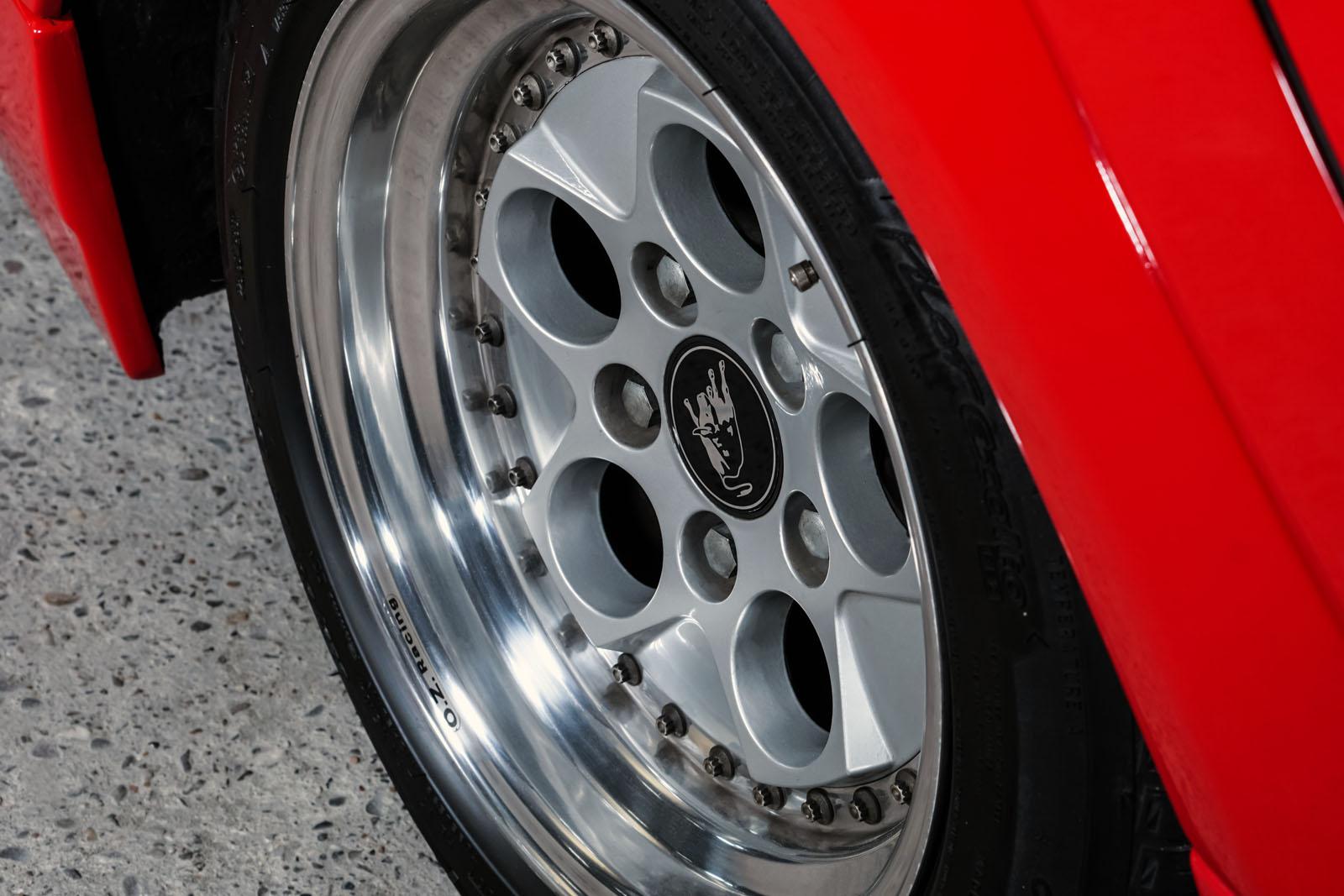 Lamborghini_Countach_Rot_Schwarz_LAM-2811_12_w