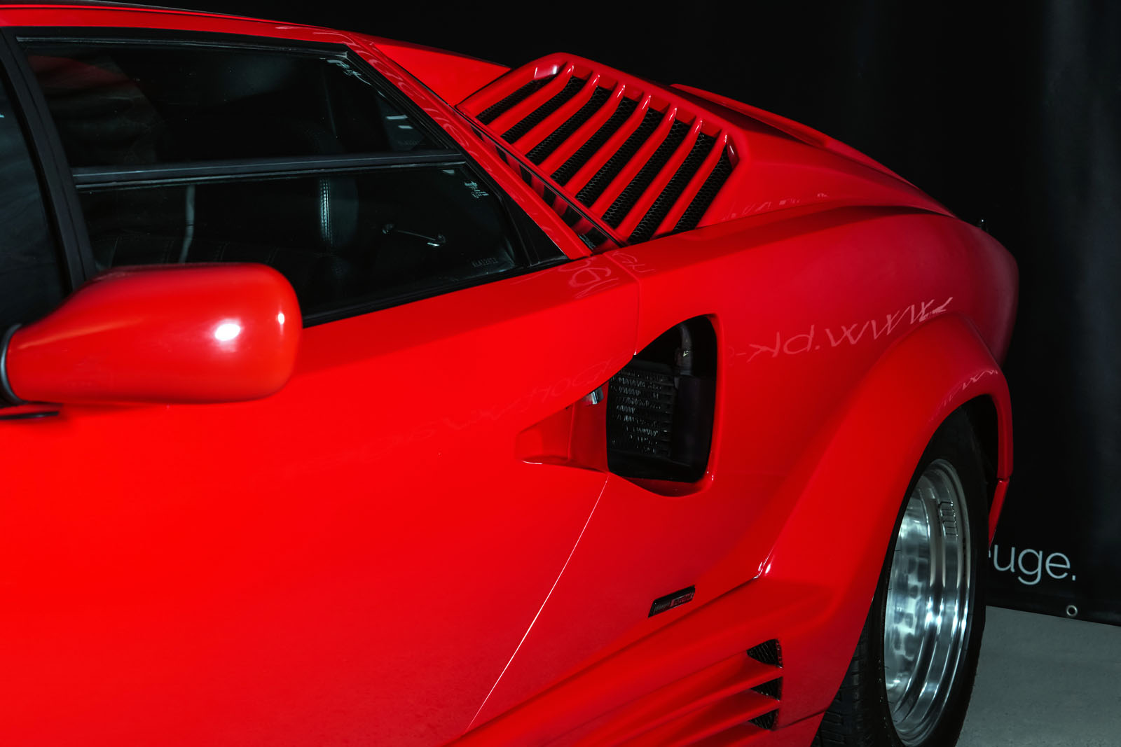 Lamborghini_Countach_Rot_Schwarz_LAM-2811_13_w