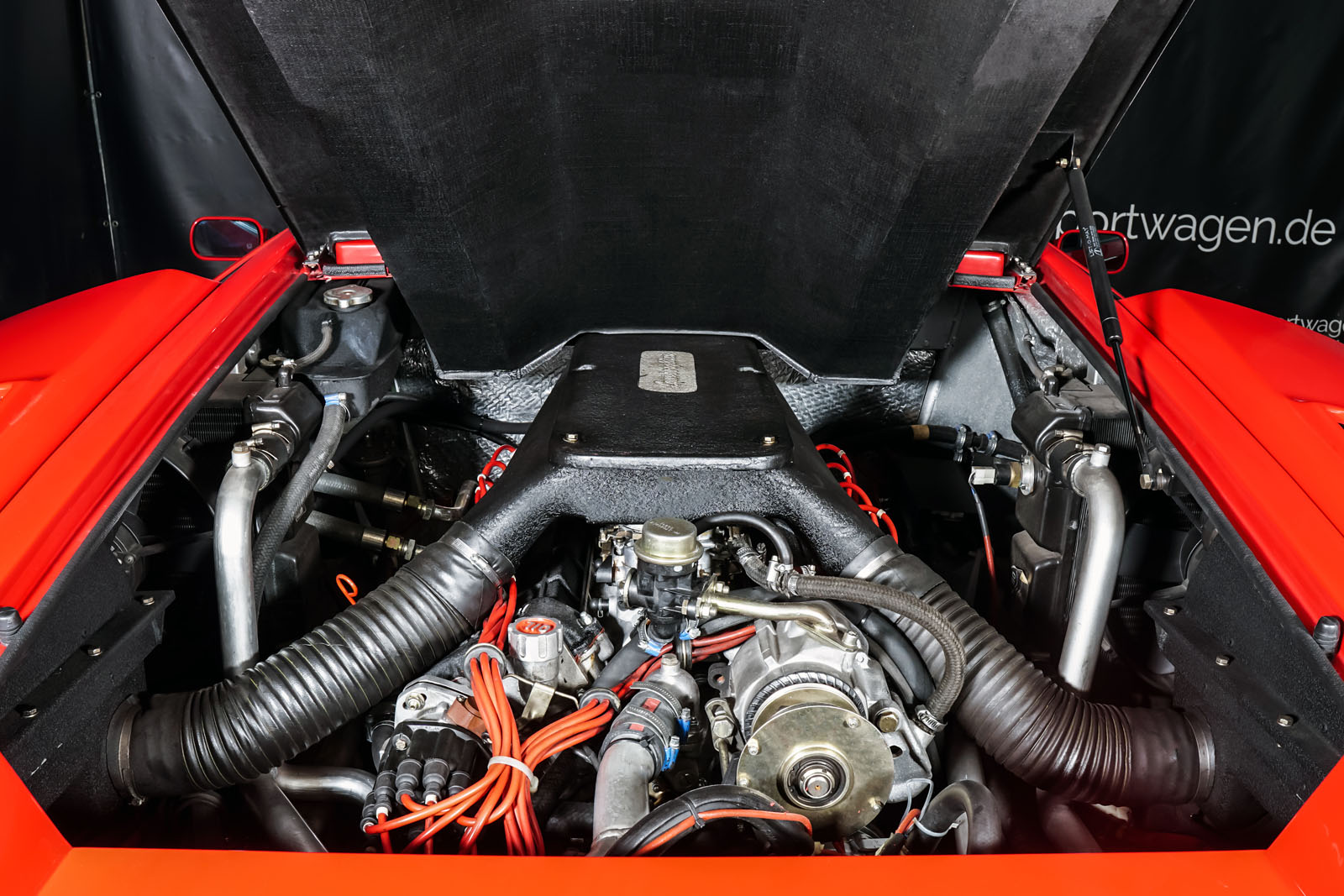 Lamborghini_Countach_Rot_Schwarz_LAM-2811_16_w