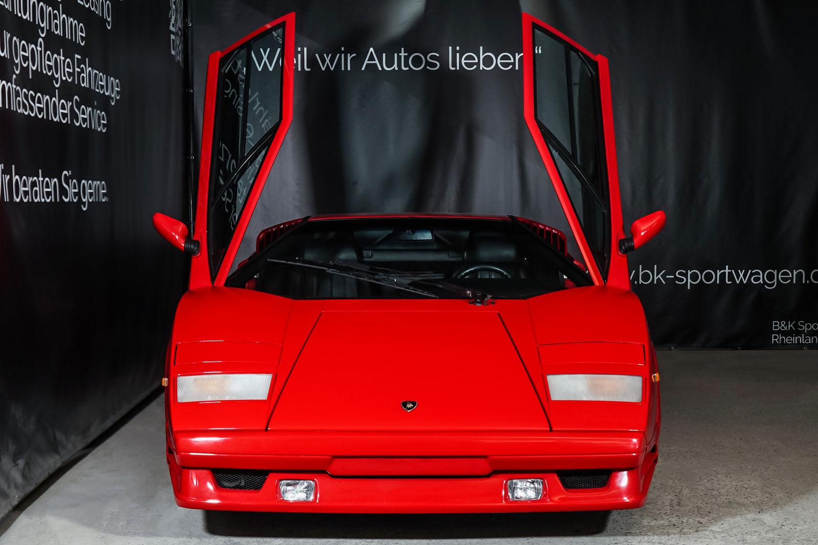 Lamborghini_Countach_Rot_Schwarz_LAM-2811_2_w