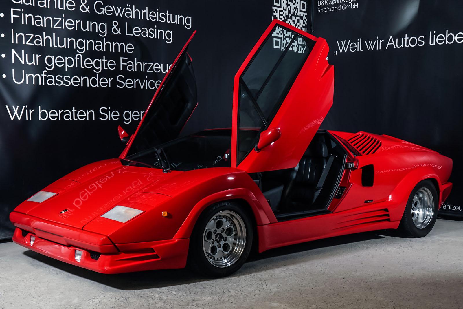 Lamborghini_Countach_Rot_Schwarz_LAM-2811_3_w