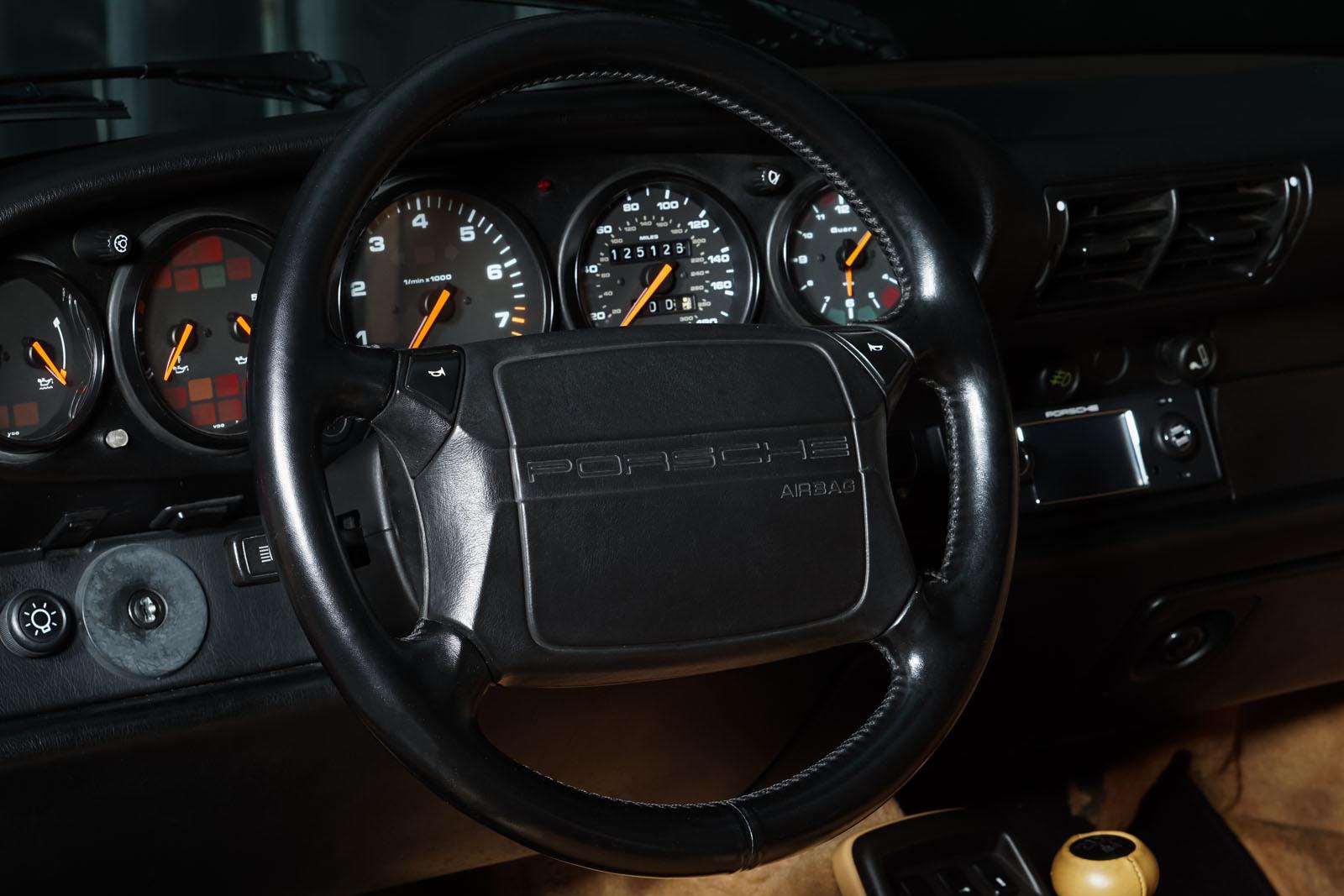 Porsche_964_Cabrio_Rot_Beige_POR-0915_12_w