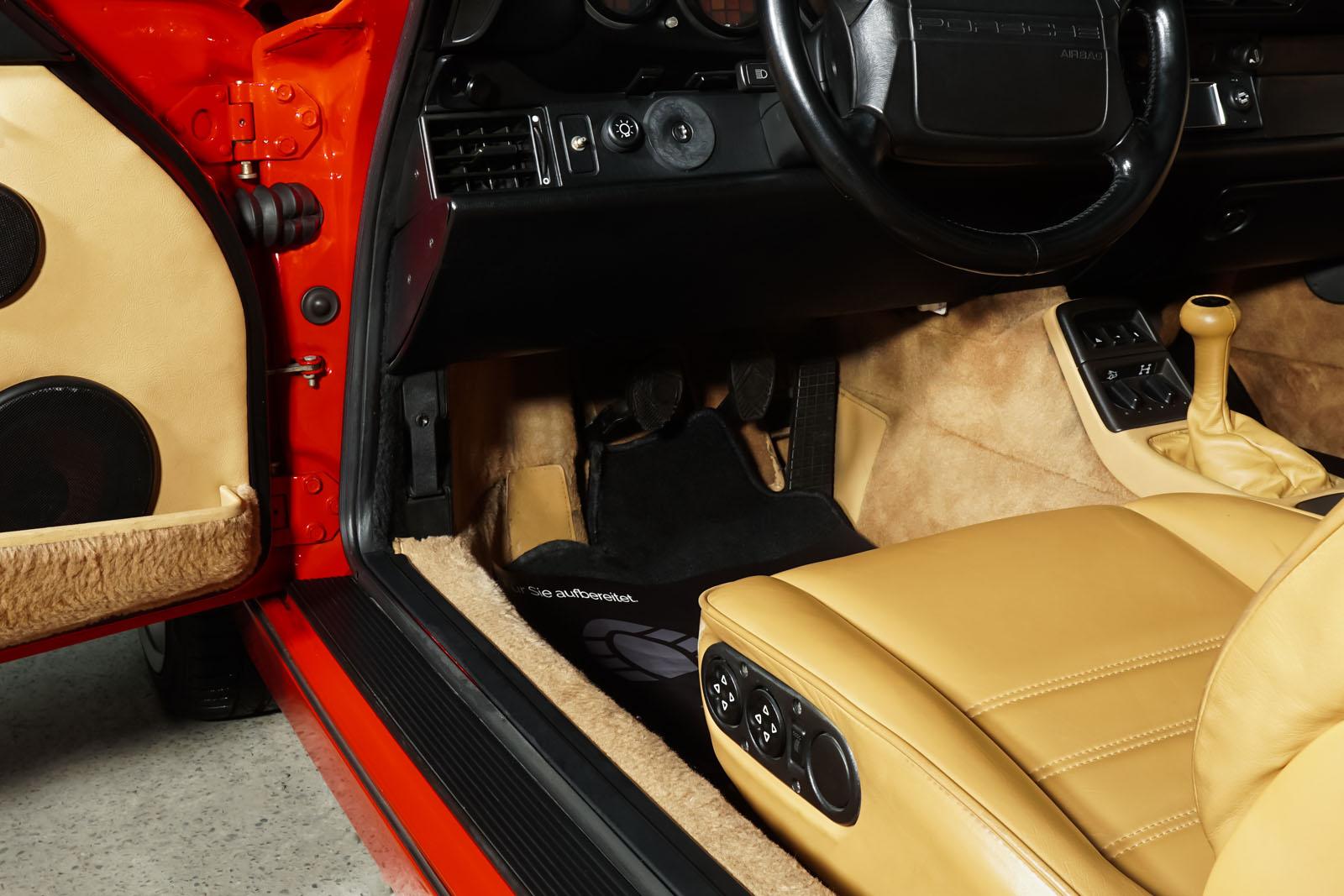 Porsche_964_Cabrio_Rot_Beige_POR-0915_8_w
