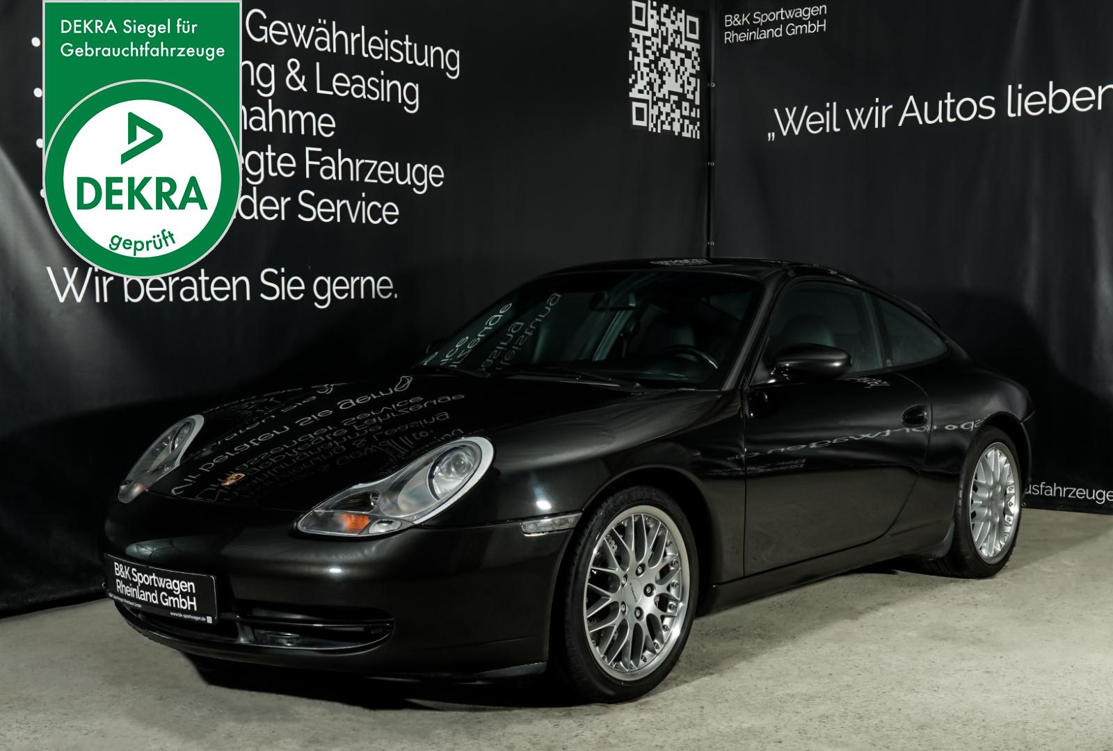 Porsche_996_Schwarz_Schwarz_POR-3578_Plakette_w
