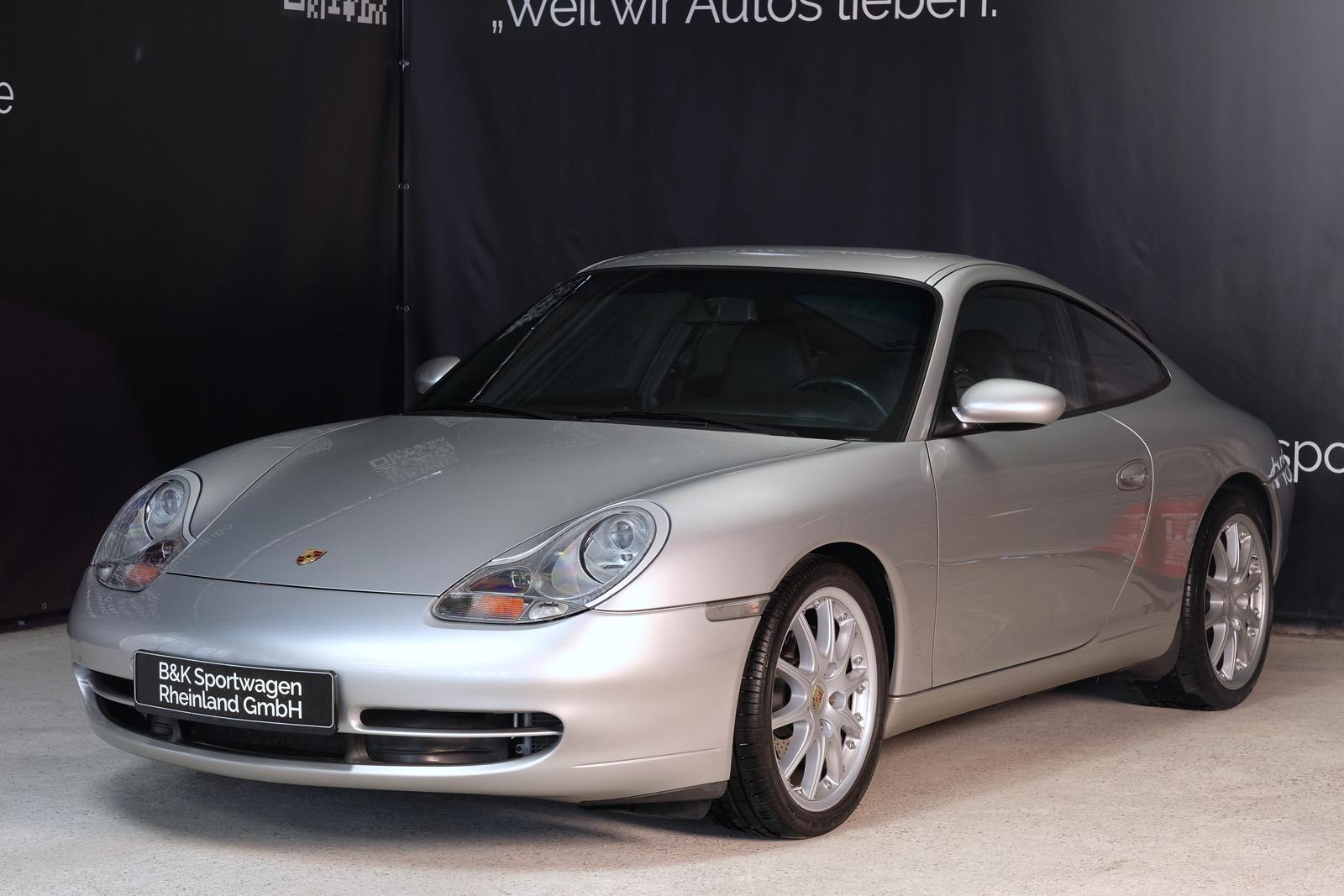 Porsche_911_996_carrera_2_coupe_silber
