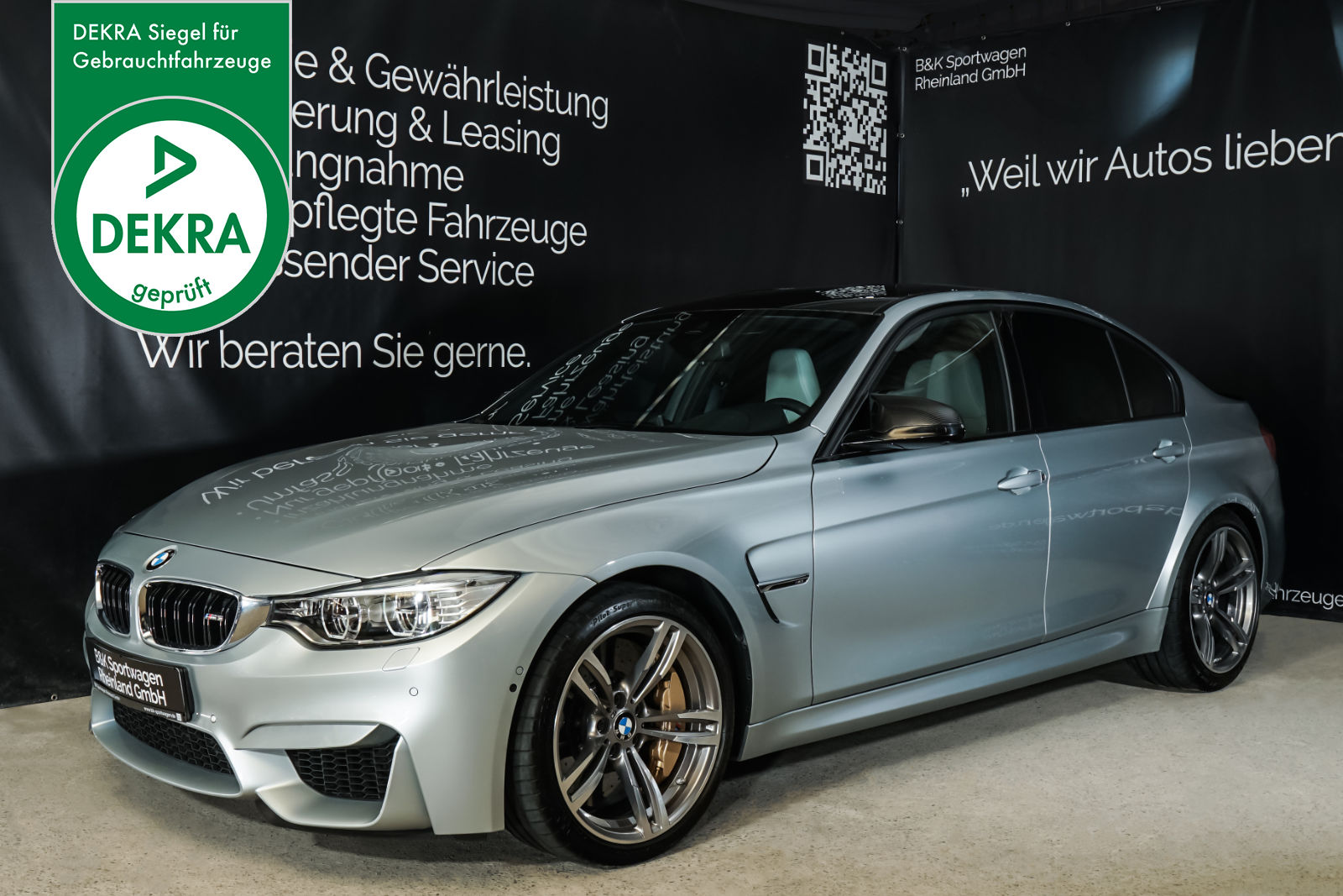 BMW_M3_Silber_Weiß_BMW-4554_Plakette_w