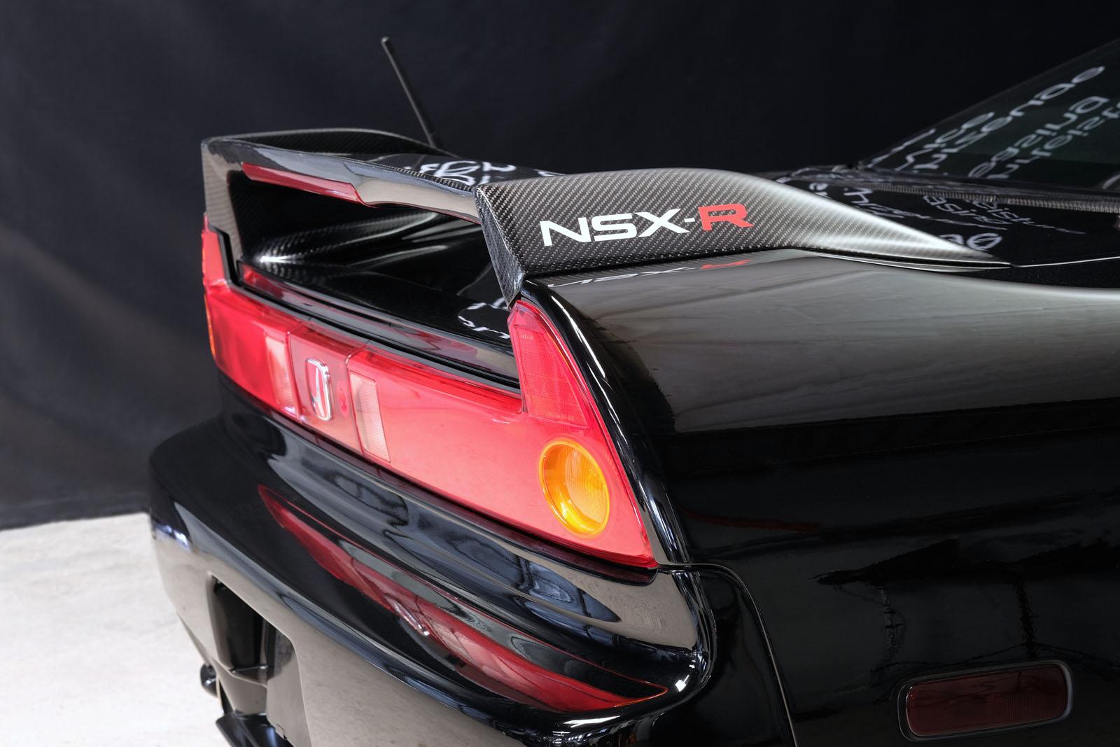 Honda_NSX_Schwarz_Schwarz_HON-0174_5_w
