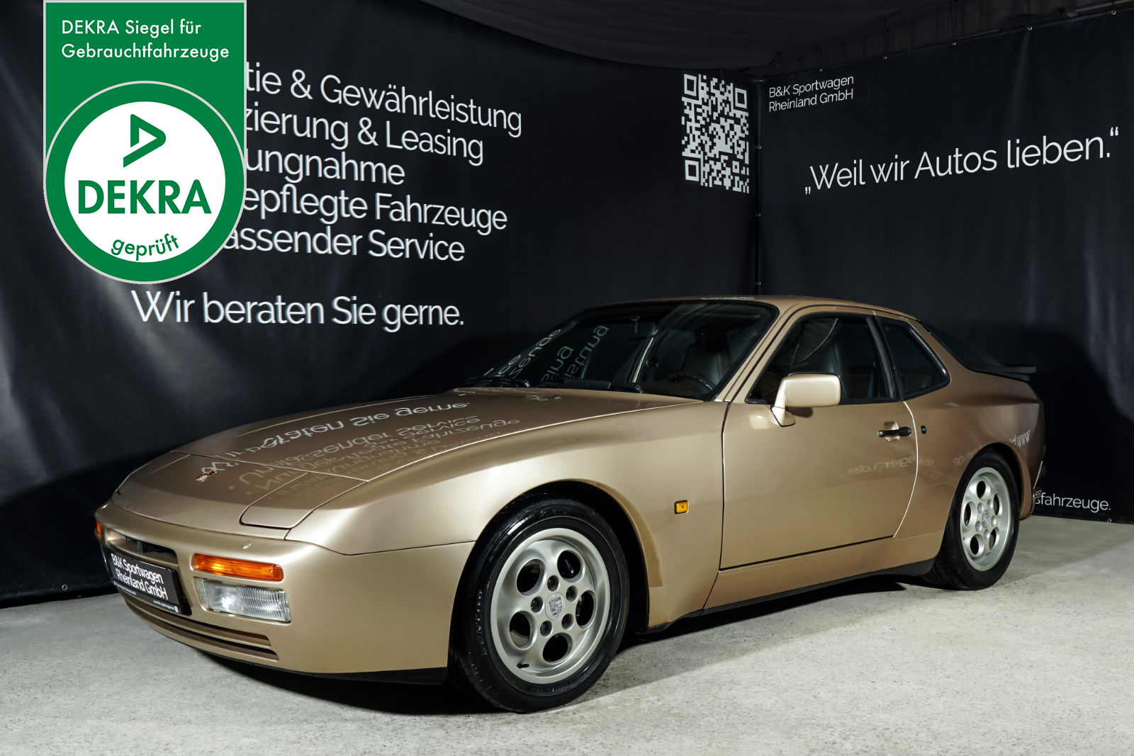 POR_0480_Porsche_944_Turbo_Plakette_w