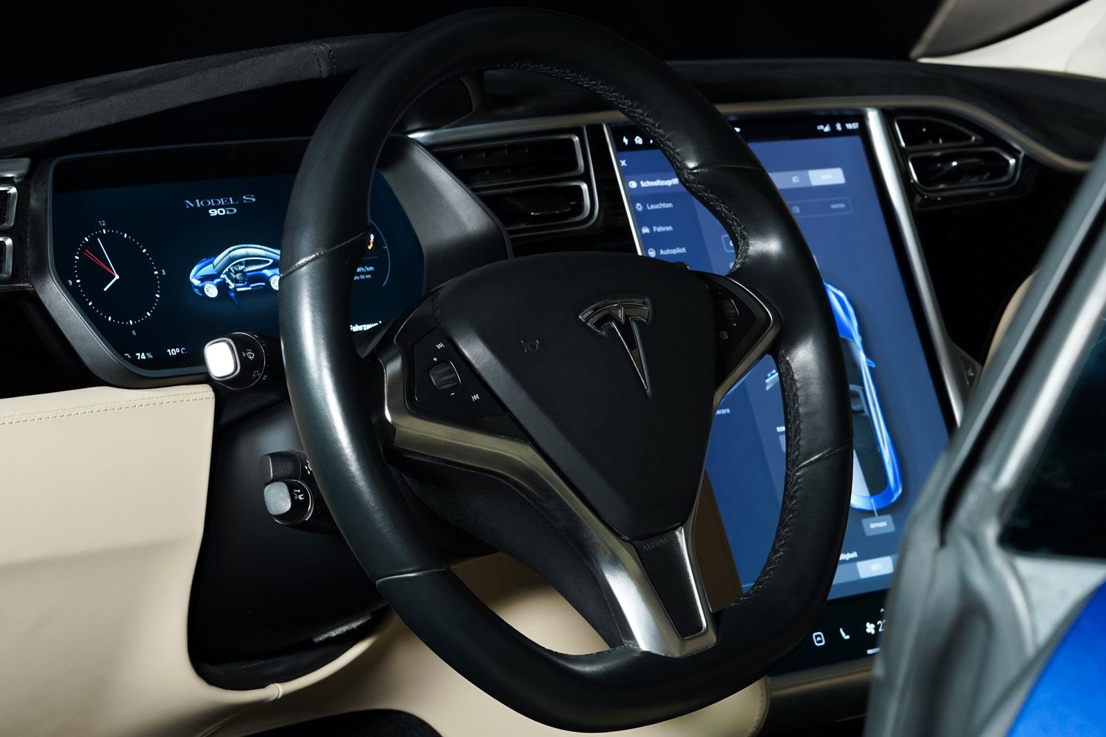 Tesla_ModelS_90D_Blau_Beige_TES-5091_10_w