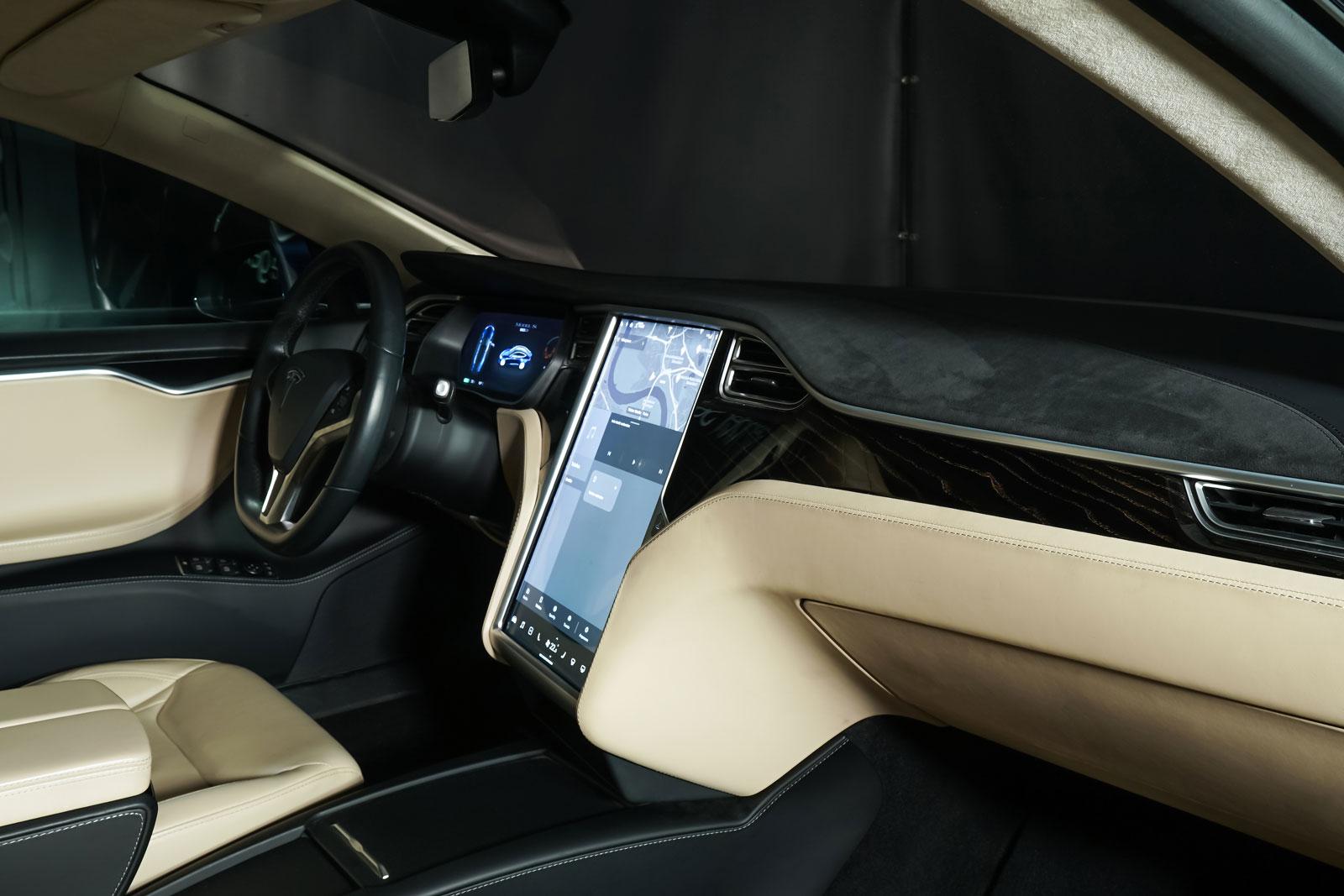 Tesla_ModelS_90D_Blau_Beige_TES-5091_19_w