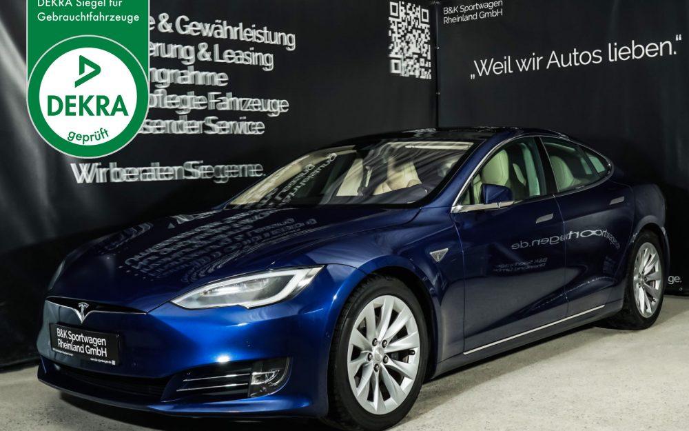 Tesla_ModelS_90D_Blau_Beige_TES-5091_Plakette_w