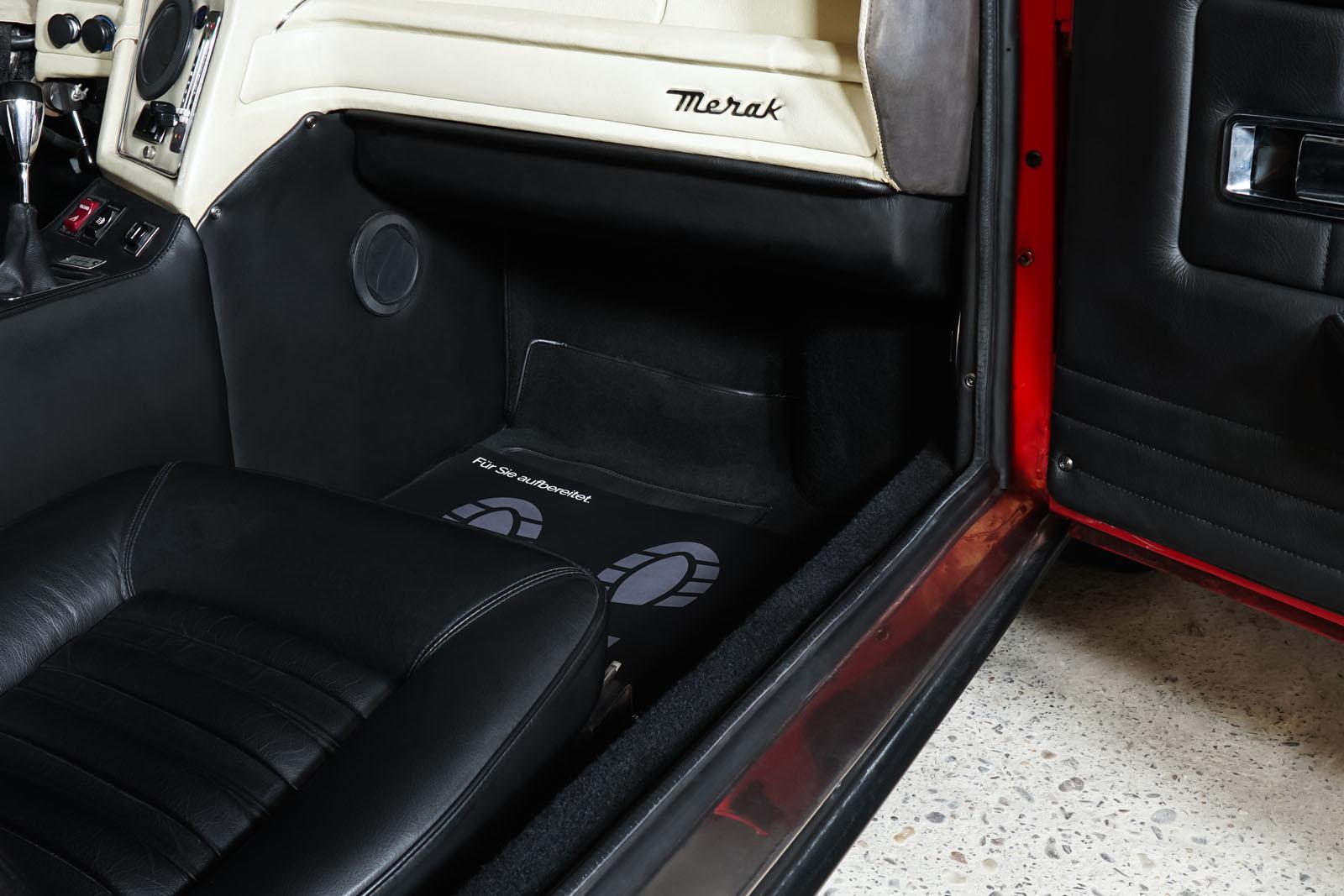 Maserati_Merak_Rot_Schwarz_MAS-4094_17_w