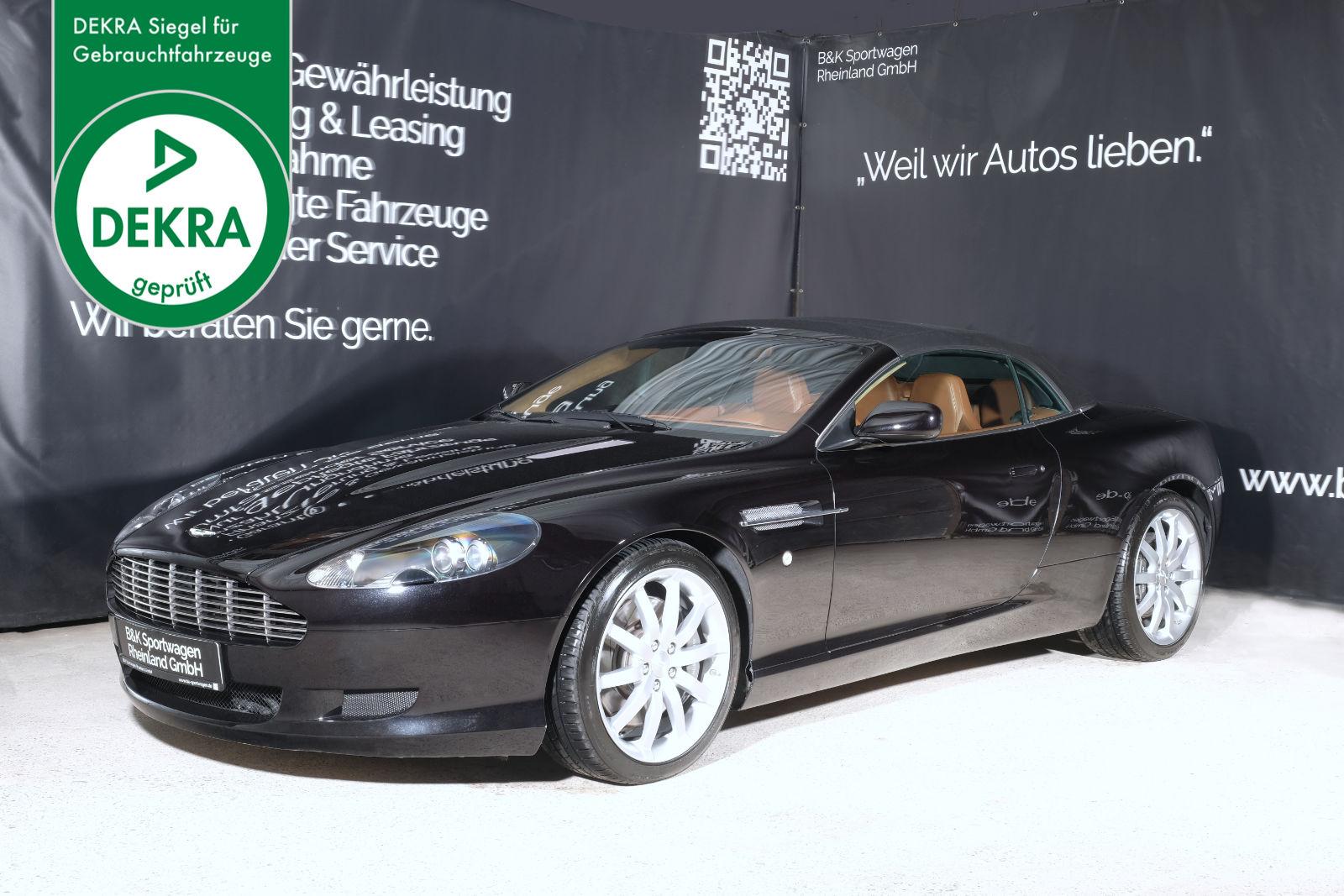 Aston-Martin_DB9_volanbte_Schwarz_Beige_AM-6189_Plakette_w
