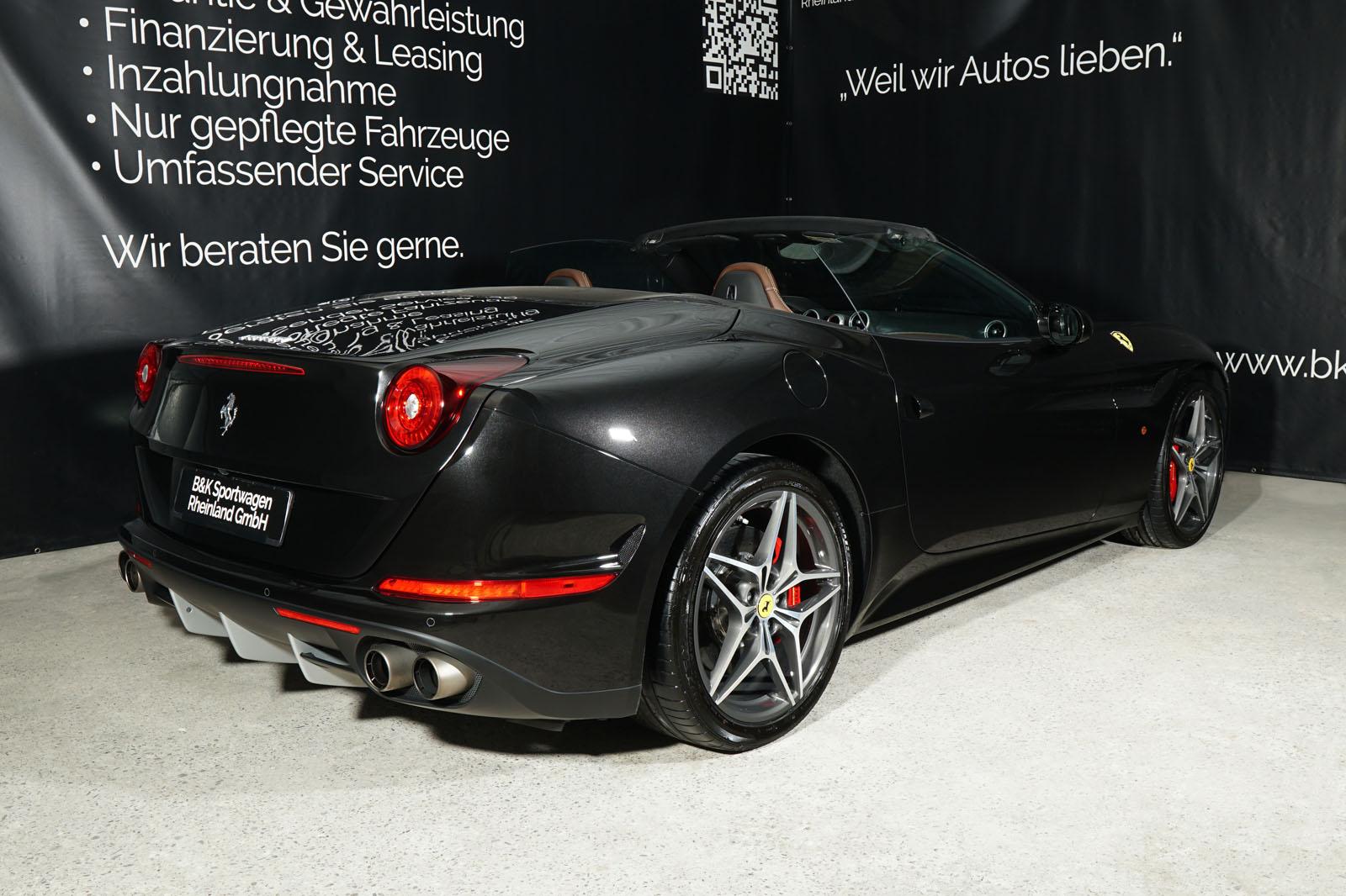 Ferrari_California_T_Schwarz_Braun_FER-9114_14_w
