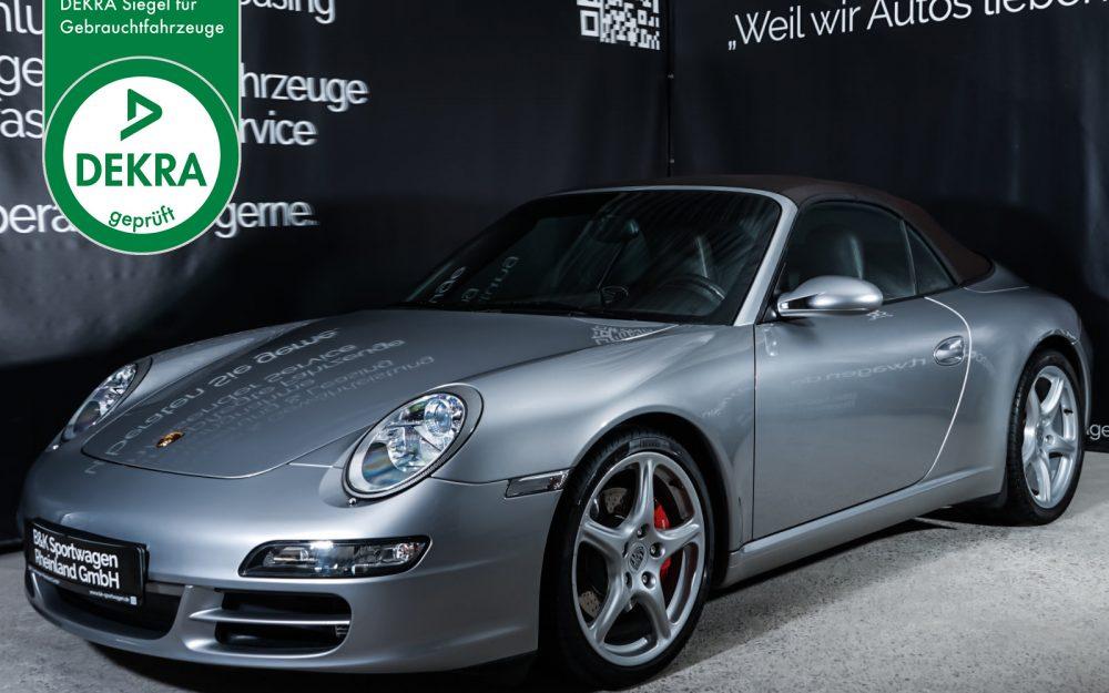 Porsche_997_C2S_Cabrio_Silber_Braun_POR-2334_Plakette_w